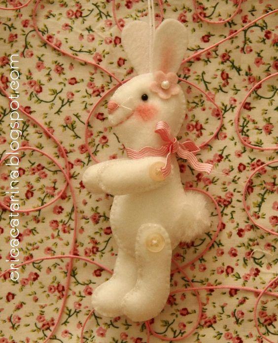 Ei Menina!: O coelhinho saiu da toca