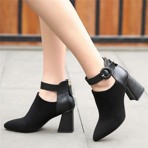 Lovely Women Black Shoes
