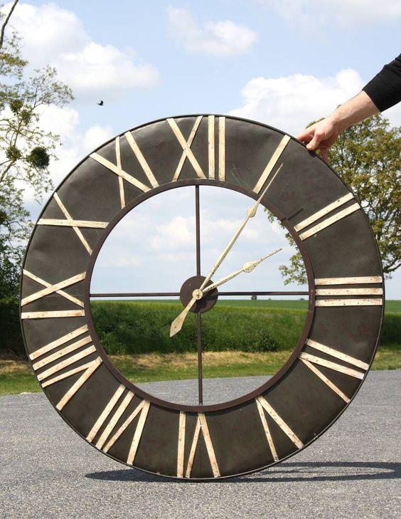 Grande horloge murale cadre ferronnerie fer metal - Grande horloge murale blanche ...