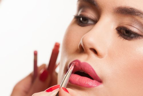 Read our tips for the best Face Contouring Makeup & Perfecting your pout ...http://bit.ly/1rk7eu9  #Beautytips
