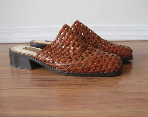 vintage Basket Weave Leather Mules / IPANEMA #vintage #vintageshoes #wovenleather