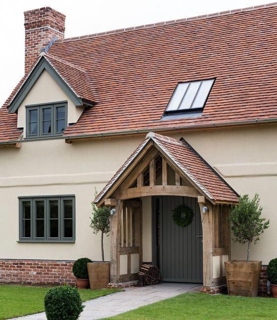 40 Magnificent Creative Ideas For Farmhousegaragedoors Red Roof House House Exterior Cottage Exterior