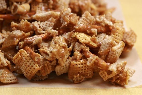 """I found the recipe! I swear I pinned this, but I must not have.  Made this last year, and it was *delicious*. """"Christmas Crack"""" made in a microwave. (image from http://basicbites.blogspot.de/)"""