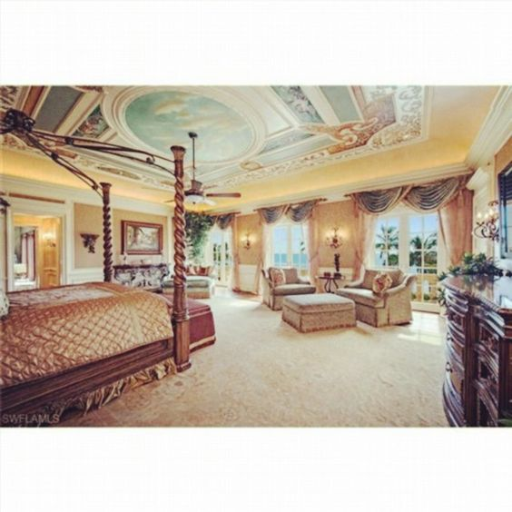 Island colonial mansion in Naples, FL. Interior pic #2. More info @crazy.homes  #beachfront #island #colonial #mansion #naples #florida #gulfofmexico #gulfview #luxury #realestate #villa  Photo credit: Luxury Portfolio Inc.