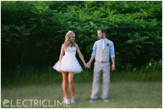 #short #wedding #dress #reception #outdoor
