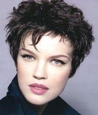 short pixie hair styles for women