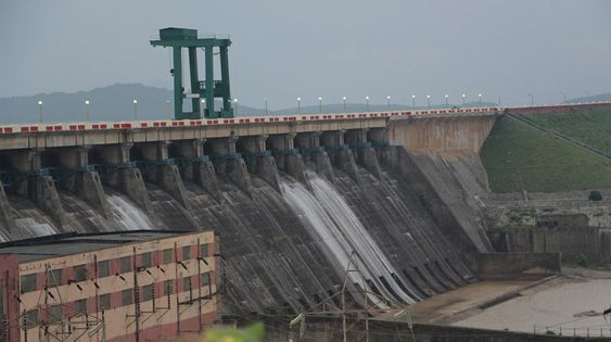 Projects on Longest Dam in India: Hirakud Dam