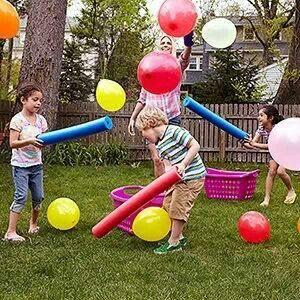 Churros de gomaespuma y globos. Una de las maneras mas sencillas de divertirse.