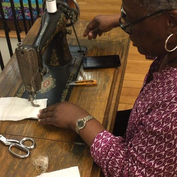 One of our members using one our sewing machines from 1900 #sipsnsew #sf #sfsew #sutter #1900 #firsttime #firsttimeforeverything #sewingmachine #sewingisfun #sewingaddict #sewmuchcrafting #sewer #funtimes #crafty