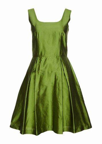 Abito verde stretto in vita con gonna ampia, German Princess.  Per una cerimonia può andare?