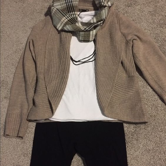 Mocha colored open front cardigan Open front cardigan from H&M, in a light mocha color! Looks great dressed up or down! No flaws or staining. H&M Sweaters Cardigans