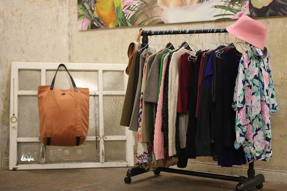 MODEVERGNÜGEN #82 Leihen statt kaufen in der Kleiderei! by Denys Karlinskyy