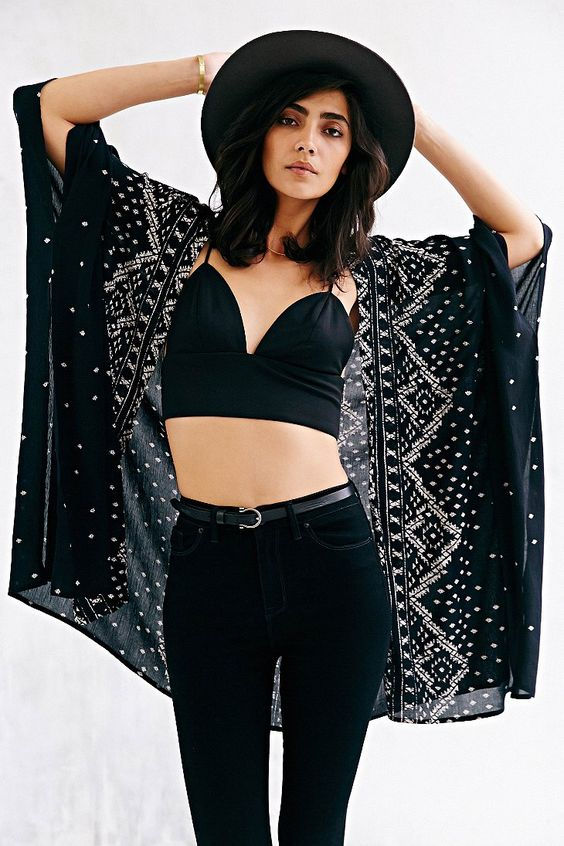 Urban Outfitters: Ecote Crinkle Square Kimono Jacket (Black):