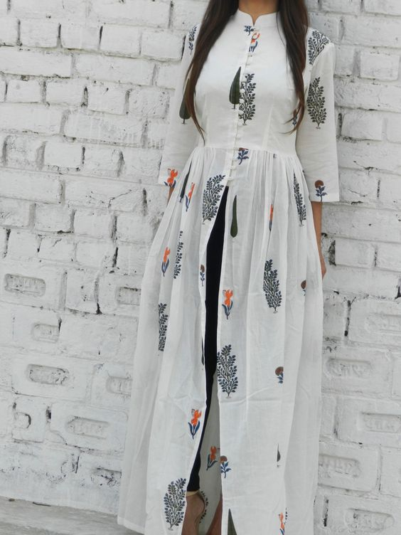 White block printed malmal cape with mandarin collar and lining in the upper body