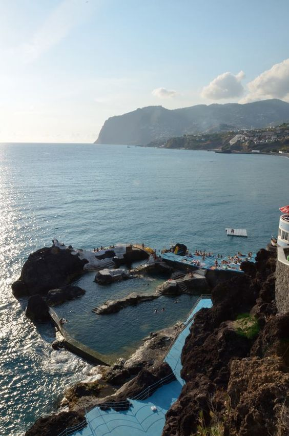 Madeira Island  Foto / Photo - Docas do Cavacas — com Francisco Correia Photos e Ana Tirado.