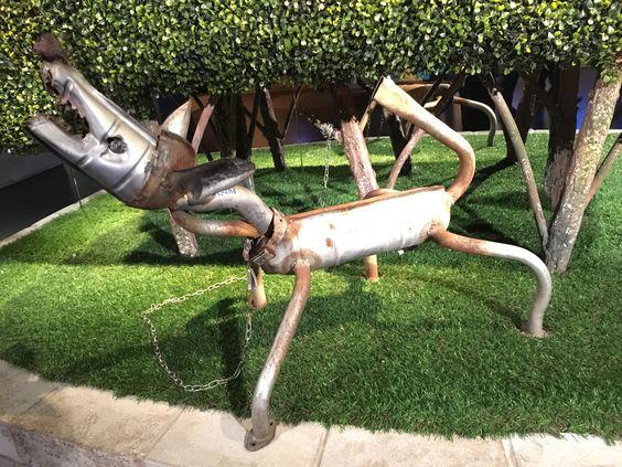 Reciclado creativo de coches.  En este artículo queremos enseñarte cómo se puede transformar un viejo vehículo de desguace, en originales y funcionales creaciones.  No te lo pierdas… Es digno de ver. https://www.bricoblog.eu/reciclado-de-coches-diy-creativo/ #Reciclado #Automóvil #Creatividad