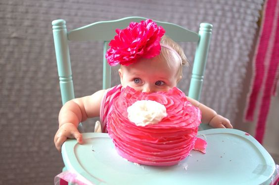 Pink ombre smash cake for a little cutie! #firstbirtday #smashcake