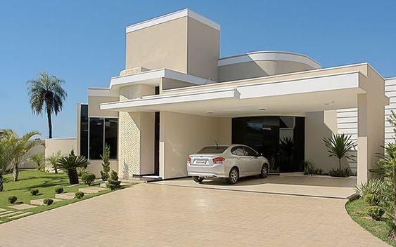 Uma fachada moderna de casa hoje é sinônimo de grandeza e de preocupação com seu ambiente.