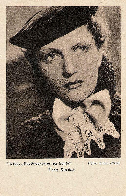 Vera Korene. German postcard by Das Programm von Heute, Berlin. Photo: Klawi-Film.