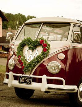 Mit Auto, Kutsche oder Vespa zur Hochzeit - weddix