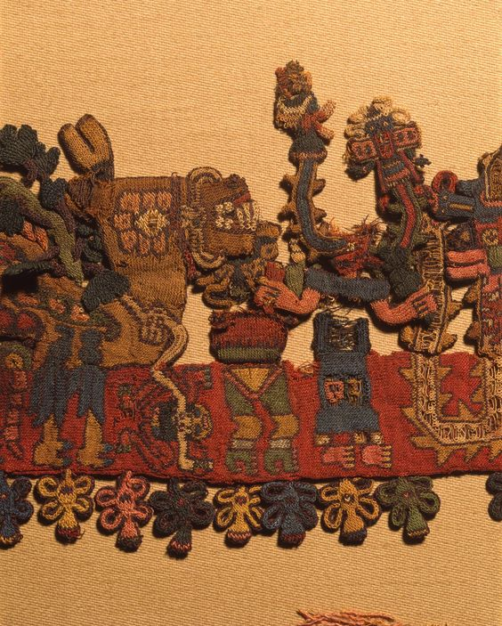 Peru Paracas Kultur Webarbeit    http://cdn2.brooklynmuseum.org/images/opencollection/objects/size4/38.121_border_figure25_IMLS.jpg    Reisen nach Peru, individuell für Einzelreisenden und Kleingruppen.  www.chirimoyatours.com    Deutschsprachiges Reisebüro in Lima Miraflores   info@chirimoyatours.com