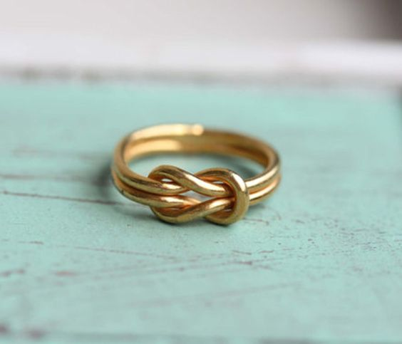 Gold Sailor knot ring. This ring is so cute on! It is vintage from the 70s. 14K Gold Plated. <3