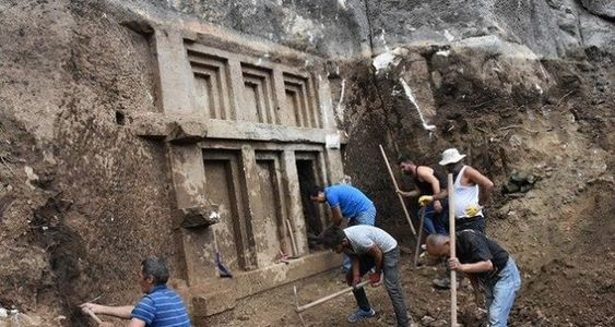 A New Tomb From 10,000 BC Discovered in Turkey - Amazing Connection With Queen Nefertiti - Knowledge Time