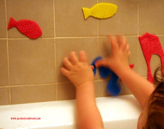 homemade sponge animal to play during the bath time...