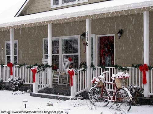 Image Result For Christmas Lights Porch Railing Front Porch Christmas Decor Outside Christmas Decorations Christmas Porch Decor