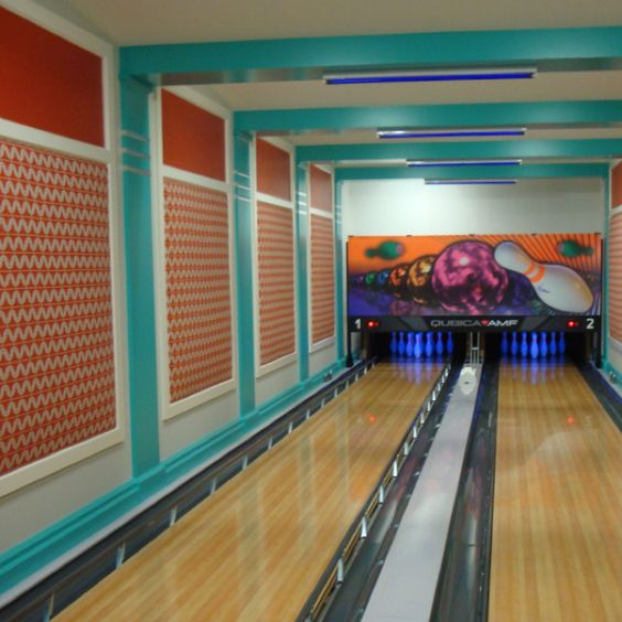 Indoor bowling alley | Amazing Rooms | Pinterest | Man caves ...