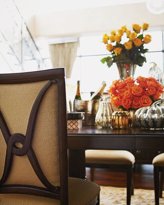 Fall décor is some of the best décor! The pumpkins and orange flowers make these pieces from our Studio 455 dining collection very festive!