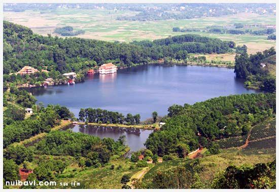 Vẻ đẹp của hồ Tiên Sa