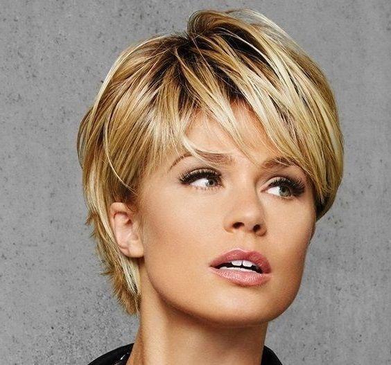 Kurzes Haar Ist Sehr Schön 1 Frisuren Kurze Haare Wellen