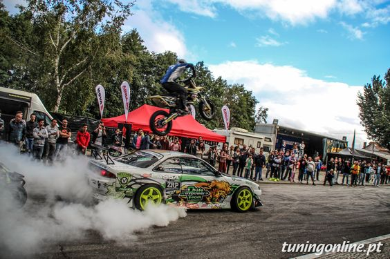 Drift and motocross stunt