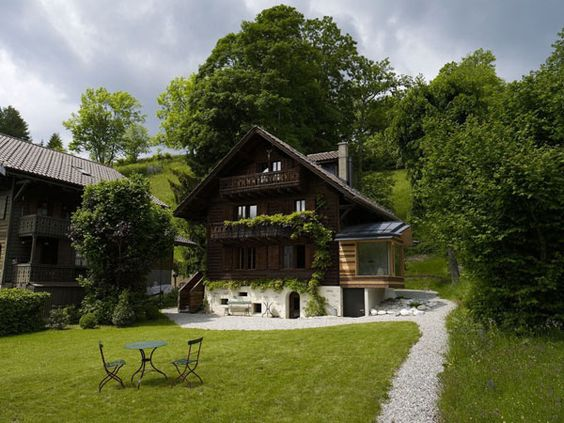 Amazing chalet upgrade.: Beautiful Switzerland, Swiss Chalets, Chalets Exterior, Beautiful Homes, Beach Houses, Apartment Design, House Exterior Design, Mountain House, Switzerland S Chalets
