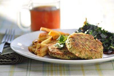 Quinoa-Salmon Burgers (Gluten-Free + Egg-free)  3 to 4 green onions, ends trimmed  1 large handful fresh cilantro  1 to 2 teaspoons lemon zest (optional)  1 teaspoon Herbamare  freshly ground black pepper  1 to 1 1/2 pounds raw wild salmon, skinned and deboned  1 cup cooked quinoa