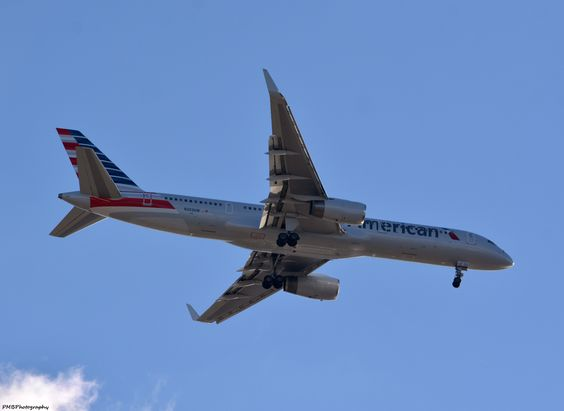 American Airlines en route to Philadelphia International Airport