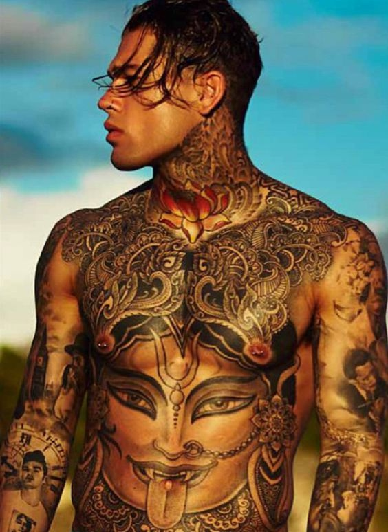 Walking work of art, Stephen James photographed by Adam Fussell for Thomas Royall.www.instagram.com/whoiselijah