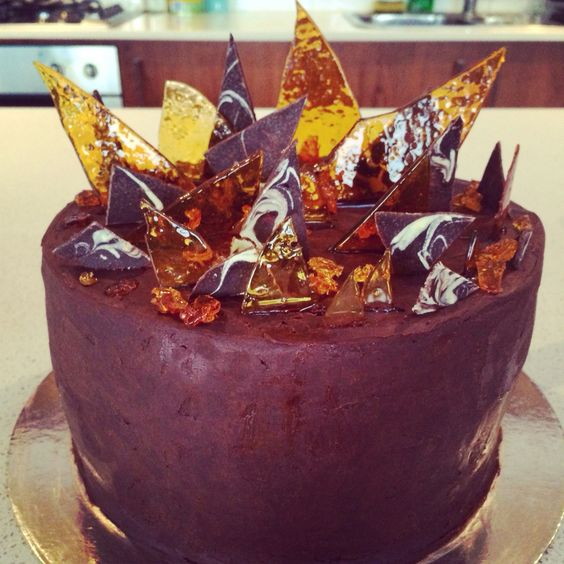Caramel Shards Cake Decorating : Chocolate and caramel ombre cake with dark chocolate ...