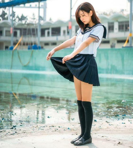 #水手服 #制服美少女 用裙子接雨》#Cute #Girl #Pretty #Girls #漂亮 #可愛