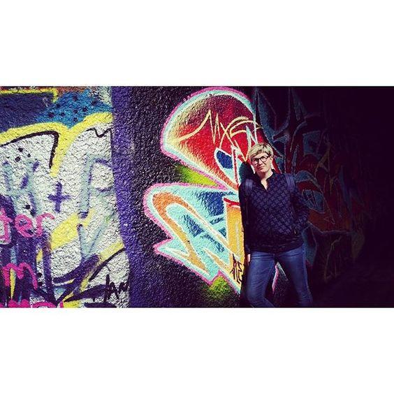 Ich bin ein Stadtkind #ilovevienna #streetart #streetstyle #gstarraw #denimlover #vienna #instafashion #instalike #stadtkind #tomboyhairstyle #tomboy #graffiti #donaukanal #rawfortheoceans #ootd