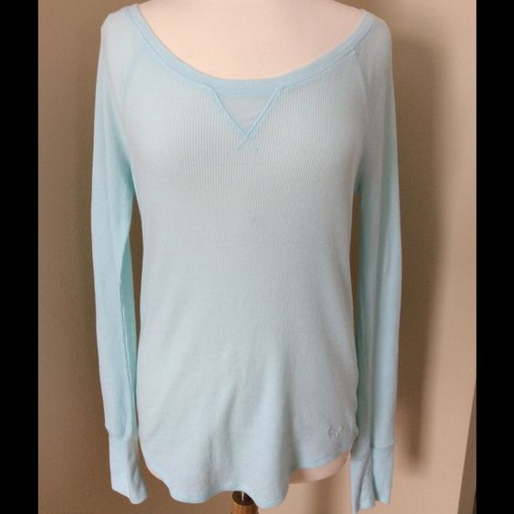 3/$30 Lightweight VS Pink Top Mint green long sleeve shirt/pajama top from VS Pink collection. EUC (no signs of wear at all), has thermal (lightweight) top feel. 60% cotton, 40% polyester. Tag says sleepwear, but can definitely be worn as a regular shirt too. Material is thin so will probably need tank underneath. PINK Victoria's Secret Tops Tees - Long Sleeve
