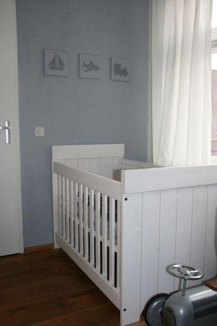 Babykamer inspiratie voor jongen in kleur grijs nursery room for a boy in gray - Bed voor kleine jongen ...
