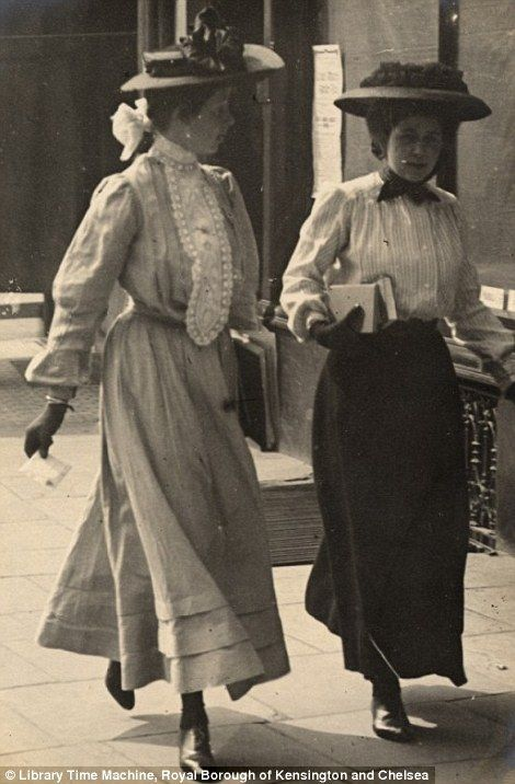 women holding books in Kensington on July 4th 1906..wonderful images by the late amateur photographer Edward Linley Sambourne,  Read more: http://www.dailymail.co.uk/femail/article-2173872/Edwardian-street-style-Astonishing-amateur-images-capture-fashion-women-London-Paris-century-ago.html#ixzz2bx4QVmxi Follow us: @MailOnline on Twitter | DailyMail on Facebook