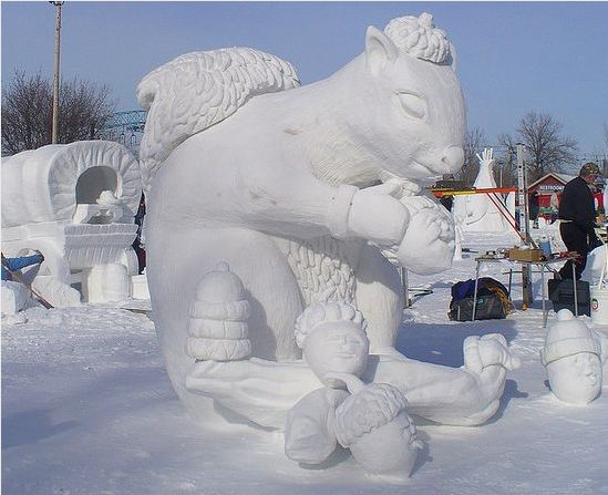 All nature in the world from kaku: Amazing Art of Snow Sculpture - Crazy Acorns