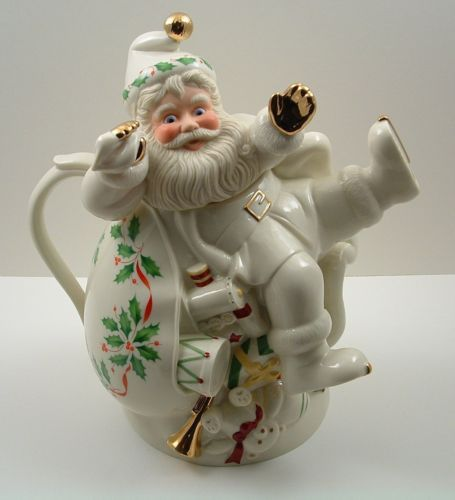 Lenox Holly Pattern Holiday Santa Collection Teapot Ivory Gold Trim
