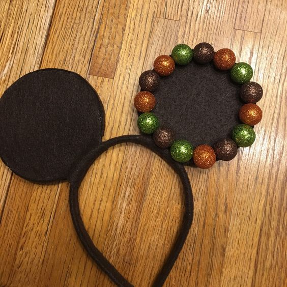 Making Autumn inspired mouse ears