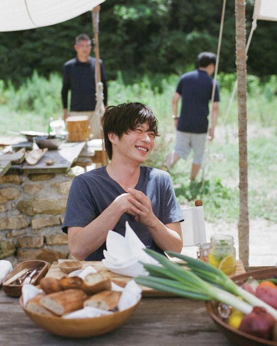 笑顔の田中圭