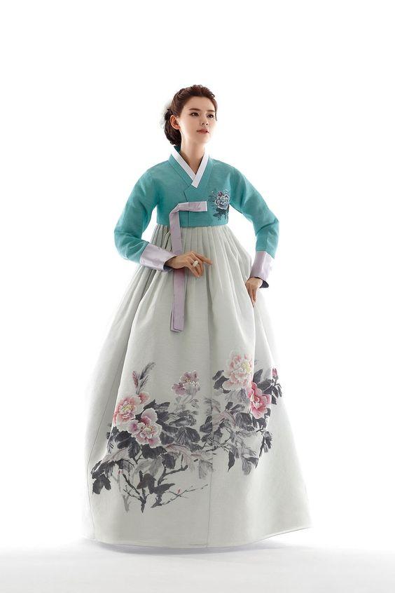 Beautiful hanbok.