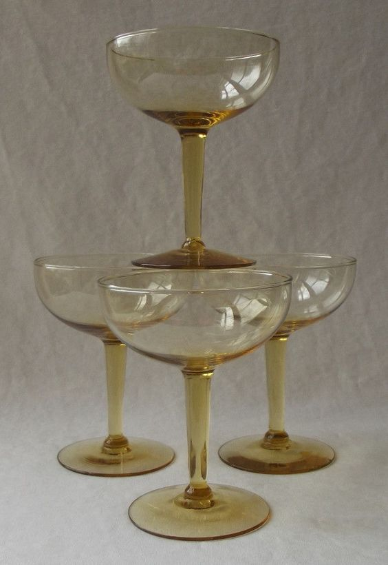 4 LOVELY DEPRESSION 1940'S AMBER WINE CHAMPAGNE GLASSES